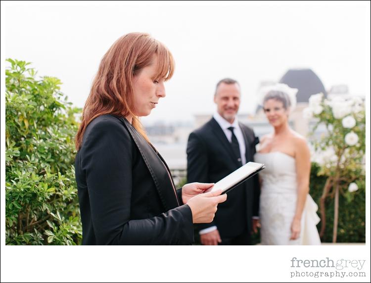 officiant,celebrant Paris France officiant