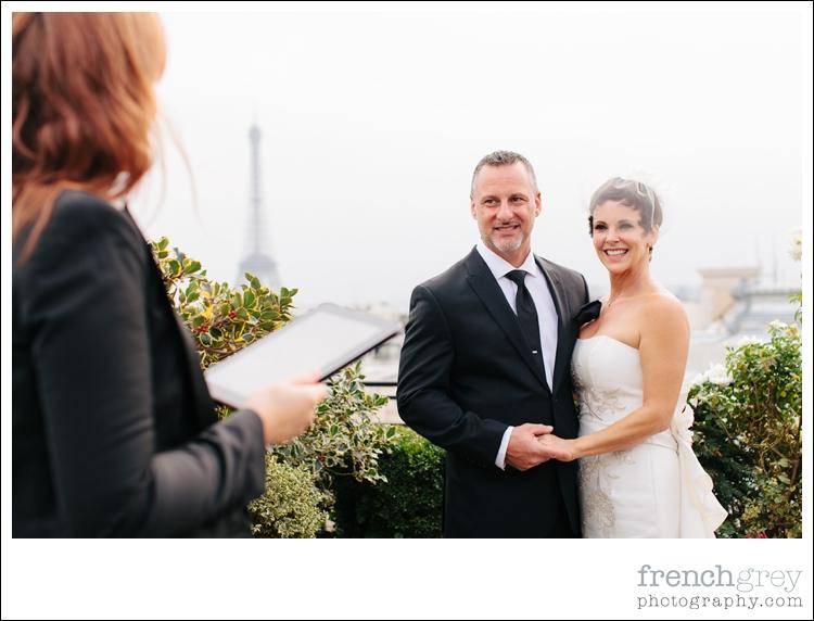 officiant,celebrant,wedding,Paris