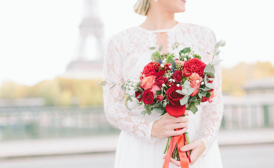 Elopement celebrant Paris